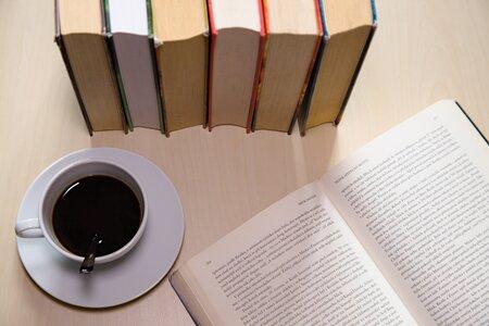 Literatura - Nób(e)l - literární salónek