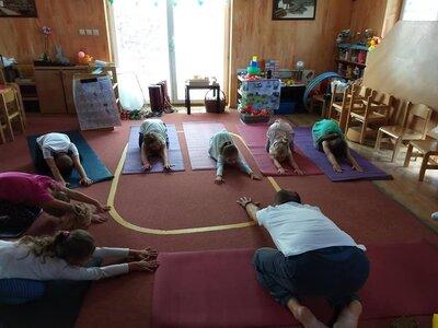 Hry - Jóga pro rodiče s dětmi